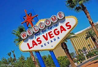 Las Vegas: Welcome to Vegas Sign (Flickr - WriterGal39)
