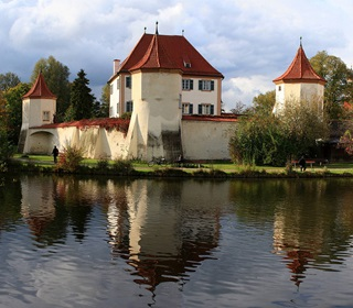 Stitched photo of Blutenburg Castle near Munich (Flickr - Alaskan Dude)